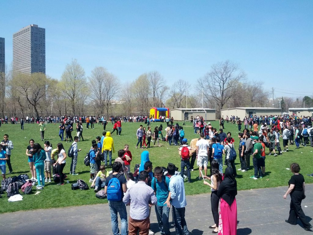 Hundreds Attend Spirit Day Carnival
